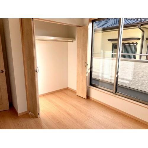 2階洋室約5.25帖(西側)のクローゼット